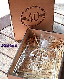 Iné - Darčekový gravírovaný set - fľaša JIM v drevenej krabičke - 11401704_