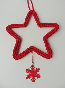 Dekorácie - Handmade háčkovaná závesná dekorácia (nielen vianočná) - hviezda (Hviezda (z 5 mm šnúry) - farba červená) - 11400032_