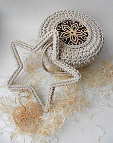 Dekorácie - Handmade háčkovaná závesná dekorácia (nielen vianočná) - hviezda (Hviezda (z 5 mm šnúry) - farba podľa výberu) - 11400262_