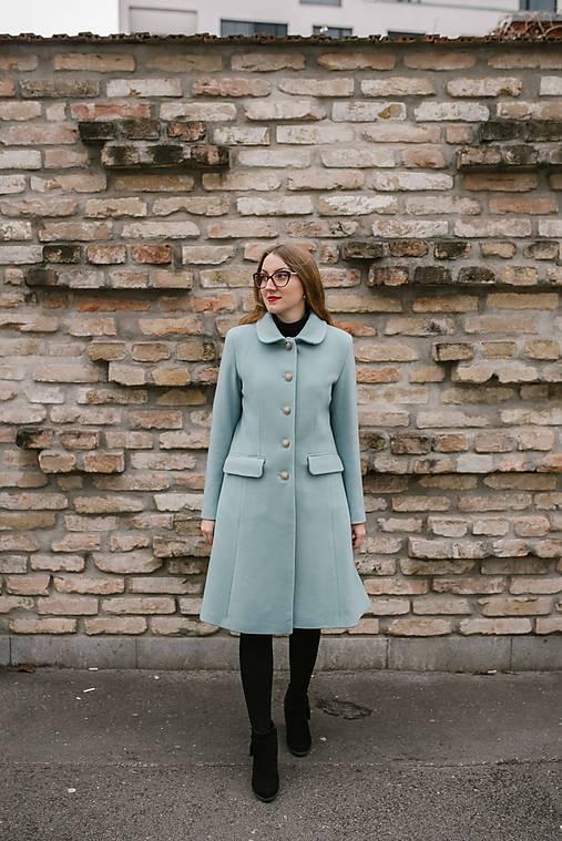 Vlnený kabát princess strihu SEVERANKA-jemná modrá