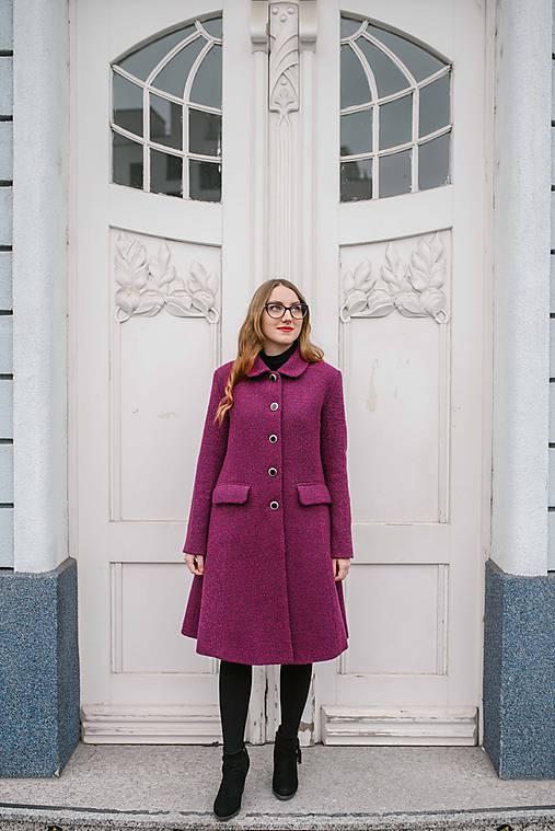 Vlnený kabát princess strihu SEVERANKA-buklé