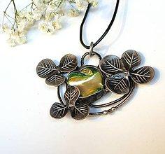Náhrdelníky - cínový šperk - Ďatelinka - 11403993_