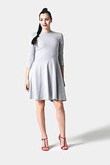 Šaty - Šaty s polkruhovou sukňou bledo šedé (na miery) - 11406250_