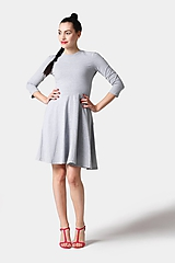 - Šaty s polkruhovou sukňou bledo šedé (na miery) - 11406251_