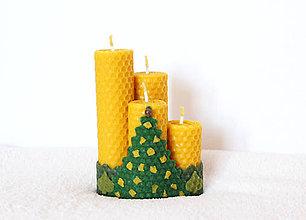 Svietidlá a sviečky - sviečky z včelieho vosku vianočný les - 11407741_