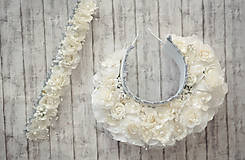 Ozdoby do vlasov - Detská biela kvetinová čelenka ukončená gumičkou - 11406017_