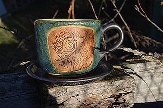 Nádoby - Hrnček zelený, medienkový s kvetinkami. - 11411043_