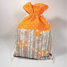 Úžitkový textil - Veselé bavlnené vrecúško 25x37cm (líšky v lese) - 11409234_