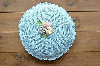 Úžitkový textil - Ručne háčkovaný romantický vankúš - 11408880_
