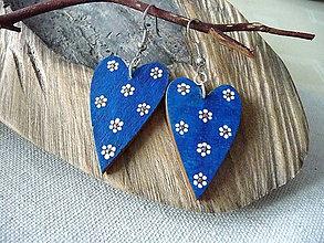 Náušnice - modré folk srdiečka- kvetované - 11410898_