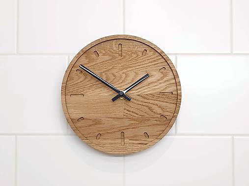 Marc Mini Round Clock s ciferníkom a tichým strojčekom