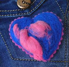 Odznaky/Brošne - brož plstené srdce kráľovská modrá - 11412449_