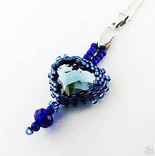Náhrdelníky - Modrý srdiečkový prívesok so Swarovski krištálom - 11413777_