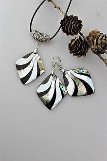 Sady šperkov - perleť náušnice a prívesok - luxusný set - 11413654_
