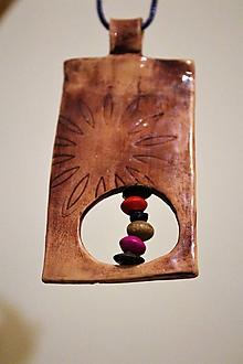 """Náhrdelníky - prívesok """"hlina+drevo"""" - 11415147_"""