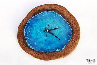 Hodiny - Orechové hodiny so živicou - 11416824_