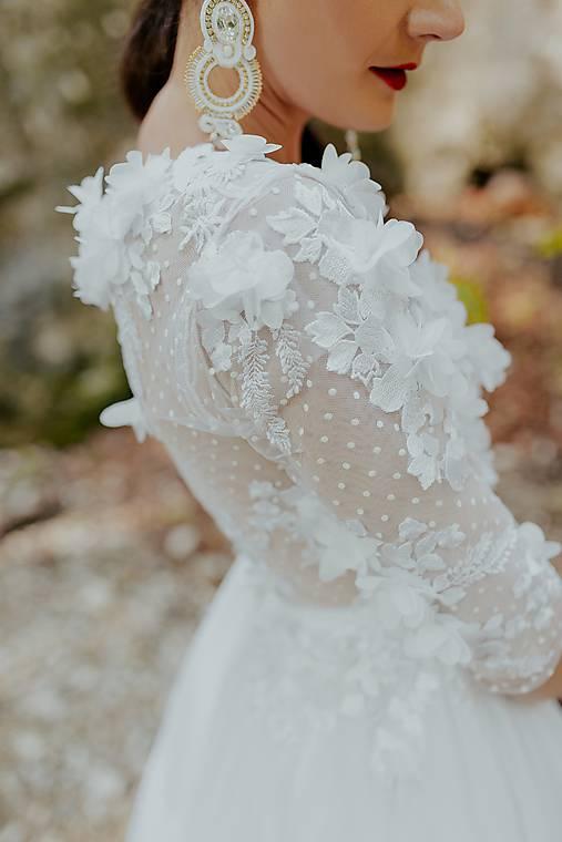 Svadoné šaty Holubička