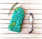 Taštičky - Púzdro na okuliare Zeleno-fialová so stromami - 11415789_