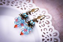 Náušnice - Modré náušnice guľky s lososovým akcentom /ručne šité/ - 11416427_