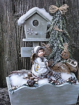 Dekorácie - Zimná dekorácia s anjelikom v kožúšku - 11421332_