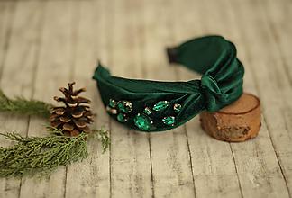 Ozdoby do vlasov - Luxusná vystužená  zamatová čelenka (Smaragdová s ručne našívanými kriśtáľmi) - 11421030_