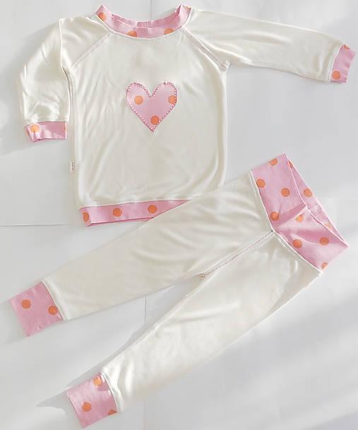 Bambusové pyžamko so srdiečkom