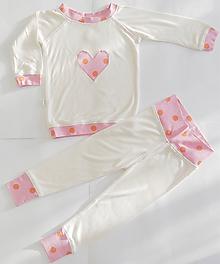 Detské oblečenie - Bambusové pyžamko so srdiečkom - 11420913_
