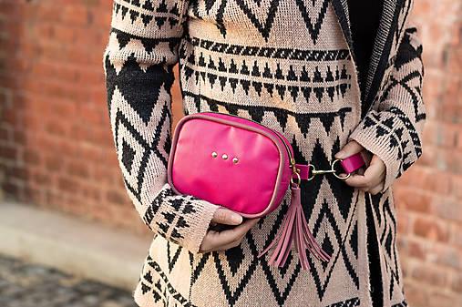 Mini kabelka na pas (ledvinka) v růžové