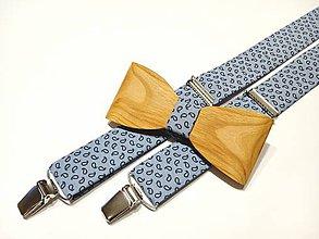 Doplnky - Pánsky set drevený motýlik + traky elegán v modrom - 11422703_