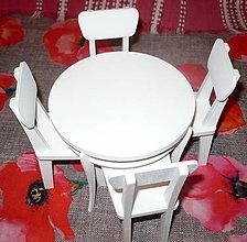 Hračky - Stôl + 4 stoličky pre Barbie - 11424539_