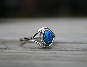 Prstene - Strieborný prsteň so zeleno modrým opálom - 11426351_