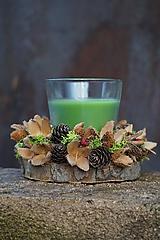 Zelený prírodný svietnik