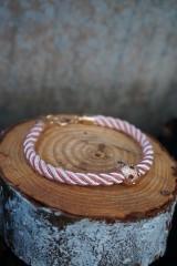 Náramky - Ružový náramok z točenej šnúry - 11428486_