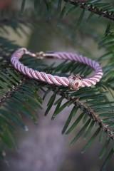Náramky - Ružový náramok z točenej šnúry - 11428493_