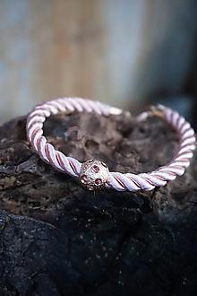 Náramky - Ružový náramok z točenej šnúry - 11428488_