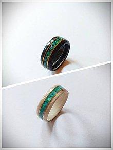 Prstene - Drevený prsteň- Eben čierny/biely & modrá perleť - 11429760_