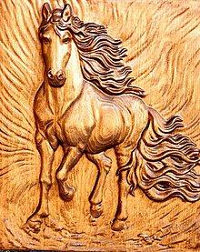 Grafika - Drevorezba Kôň v plnom cvale - 11430531_