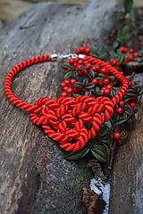 Červený uzlový náhrdelník
