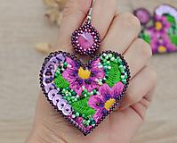 Náušnice - Vyšívané náušnice - srdcia - 11436018_