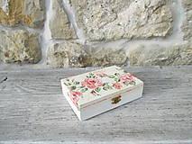 Drevená krabička s vrchnákom