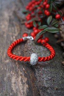 Náramky - Červený náramok z točenej šnúry - 11435774_