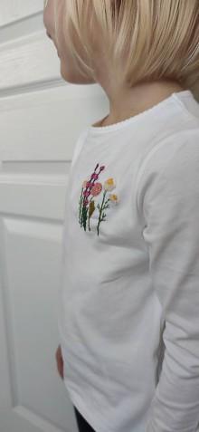 Tričká - Tričko s motívom kvetín - 11436163_
