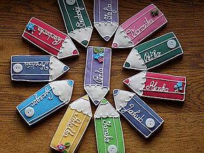 Dekorácie - veselé pastelky pre detičky a pani učiteľky (veľkosť 10 cm) - 11438639_
