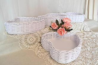 Košíky - Svadobný košík srdce / ks - 11440551_