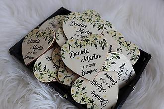 Darčeky pre svadobčanov - Darčeky pre svadobčanov - magnetky v tvare srdiečka - 11447083_