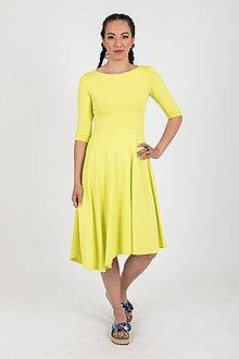 Šaty - MIESTNE ASYMETRICKÉ ŠATY S 3/4 rukávom (žlto/zelená) - 11450709_