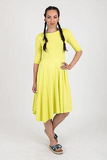 Šaty - MIESTNE ASYMETRICKÉ ŠATY S 3/4 rukávom (žlto/zelená) - 11450722_