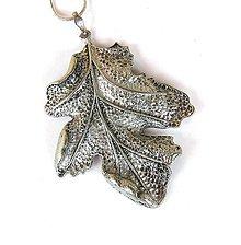 Náhrdelníky - List na retiazke - náhrdelník - 11448338_