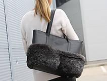 Veľké tašky - Koženo-kožušinová SHOPPER kabelka-ČIERNO-SIVÁ - 11449411_