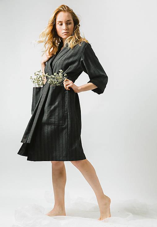 Kabáty - Tmavo šedý vlnený kabát - 11448768_